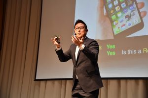 """[Interview] """"Seoul citizens' response to COVID-19 is world's best!"""" - Dennis Hong"""